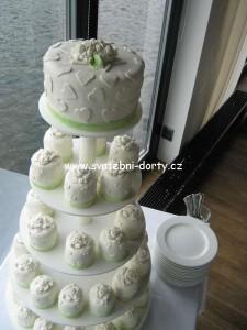 svatebni-cupcakes-11