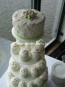 svatebni-cupcakes-21