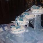 svatebni-dorty-na-stojanu-12