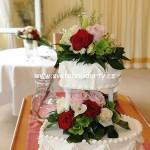 svatebni-dorty-na-stojanu-15