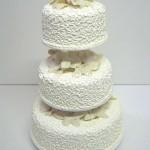 svatebni-dorty-na-stojanu-23