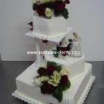 svatebni-dorty-na-stojanu-25