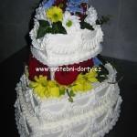 svatebni-dorty-na-stojanu-37