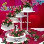 svatebni-dorty-na-stojanu-45