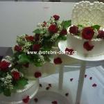 svatebni-dorty-na-stojanu-51