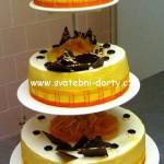 svatebni-dorty-na-stojanu-57