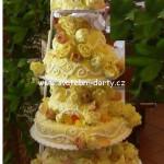 svatebni-dorty-na-stojanu-74