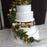 svatebni-dorty-na-stojanu-78