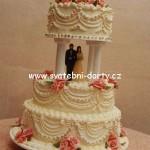 svatebni-dorty-na-stojanu-92