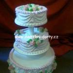 svatebni-dorty-na-stojanu-99